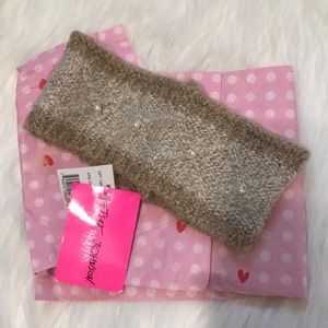 NWT Betsey Johnson Head Wrap
